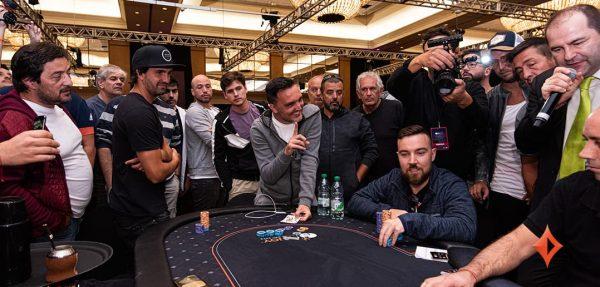 Saiba mais sobre os torneios de poker freezeout